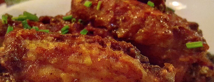 Carving Room Kitchen & Bar is one of Ain't No Thing But A Chicken Wing!.