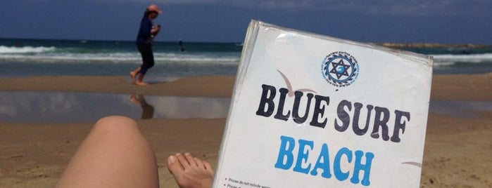 Blue Surf Beach is one of Mariaさんのお気に入りスポット.