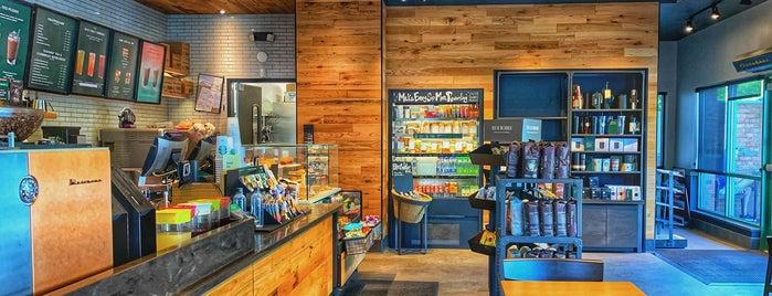 Starbucks is one of Orte, die Mike gefallen.