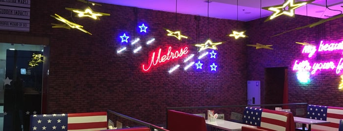 Melrose is one of สถานที่ที่ Елена ถูกใจ.