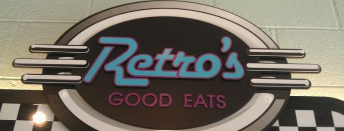 Retro's Good Eats is one of Tempat yang Disukai Kristin.
