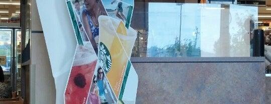 Starbucks is one of Bradさんの保存済みスポット.