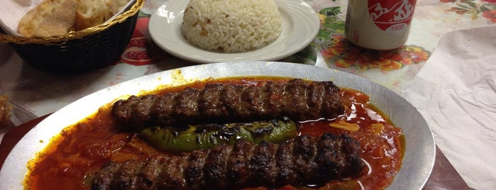 Doner Kebab House is one of Lugares favoritos de Mimi.