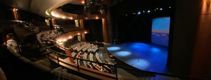 "Московский театральный центр ""Вишневый сад"" is one of Marinaさんのお気に入りスポット."