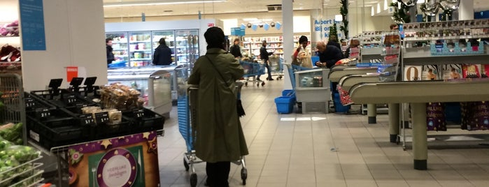 Albert Heijn XL is one of Locais curtidos por ..