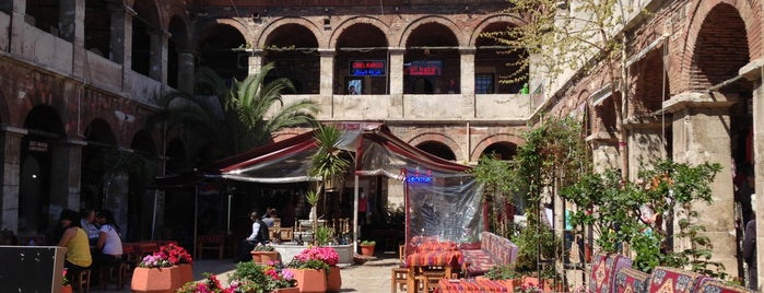 Taşhan Historical Bazaar is one of New İstanbul.