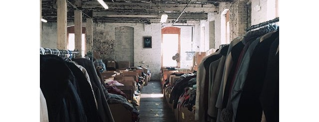 Bulk Vintage Warehouse is one of Philly.