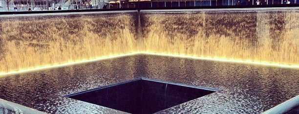 National September 11 Memorial & Museum is one of Tempat yang Disimpan Joshua.