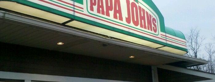 Papa John's Pizza is one of Locais curtidos por Hoyee.