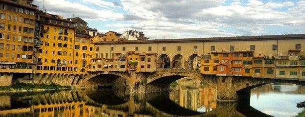 Ponte Vecchio is one of Lugares donde estuve en el exterior.