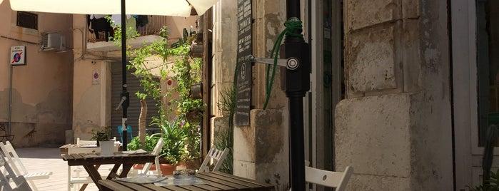 movimentocentrale bike café is one of Sicily.