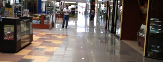Mall Miraflores is one of Orte, die David gefallen.