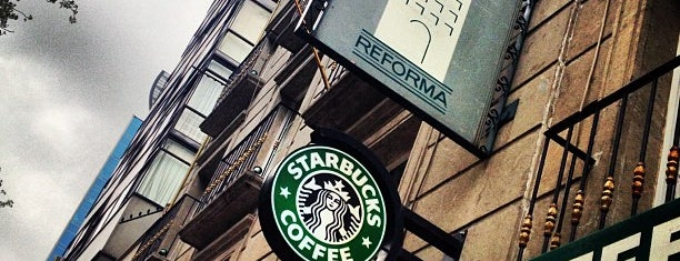 Starbucks is one of Lugares favoritos de Yaz.