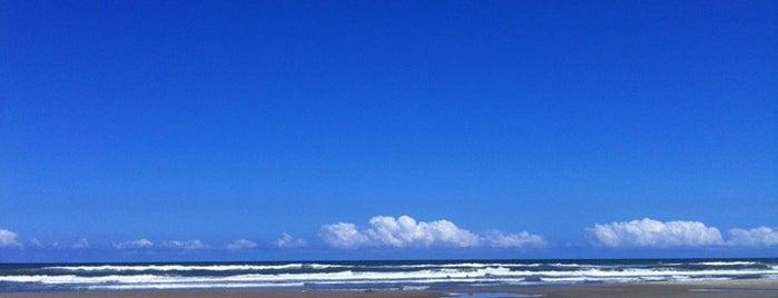 Praia de Rainha do Mar is one of Fabioさんの保存済みスポット.