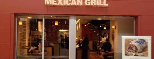 Qdoba Mexican Grill is one of Locais curtidos por Ankur.