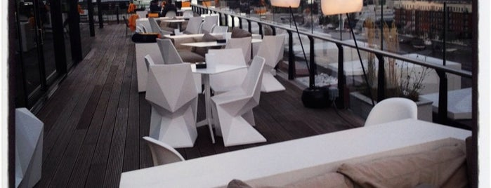 The Marker Rooftop Bar is one of Lieux sauvegardés par Whit.
