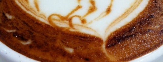 Komugi Café is one of Locais curtidos por Kevin.