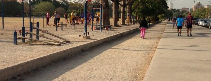 Parque El Ejército is one of Lieux qui ont plu à José.
