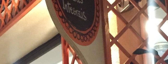 Integralle Pizza Bar is one of Katy'ın Beğendiği Mekanlar.