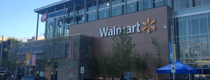 Walmart Supercenter is one of Sunjay 님이 좋아한 장소.
