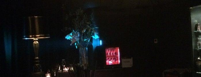 The Chelsea Bar is one of Posti salvati di Kyle.