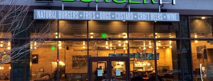 BurgerFi is one of Brad'ın Beğendiği Mekanlar.