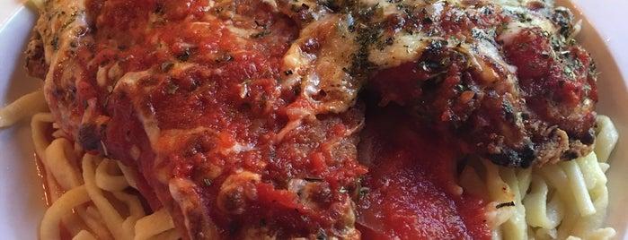 The Stonehouse Pizza & Pasteria is one of Tyler'in Beğendiği Mekanlar.