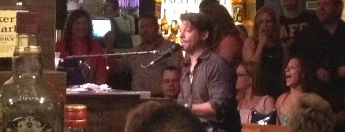 Harrah's Piano Bar is one of Lugares favoritos de Jason.