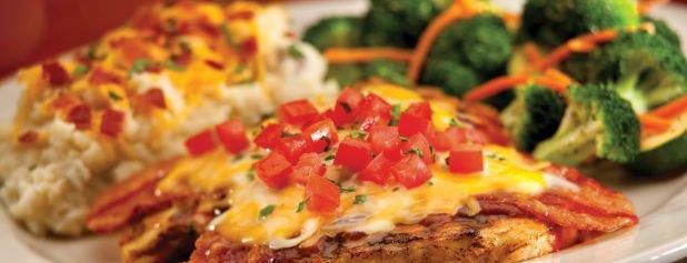 Chili's Grill & Bar is one of CHILIS MEXICOさんのお気に入りスポット.