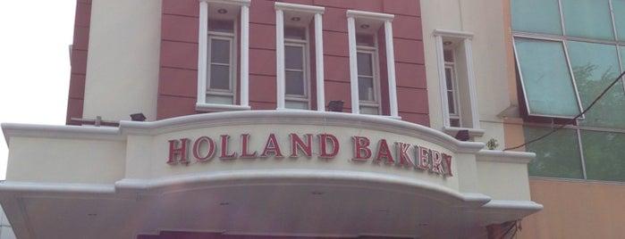 Holland Bakery Kedoya is one of Lieux qui ont plu à vanessa.