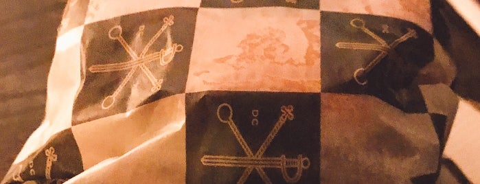 Constantine is one of Lieux qui ont plu à Kristen.
