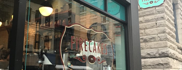 Firecakes Donuts is one of Lugares favoritos de Kristen.