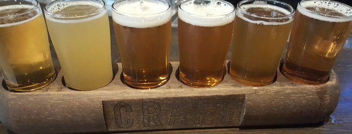 Craft Beer Market is one of Kristen'in Beğendiği Mekanlar.