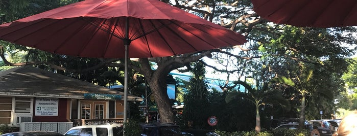Three's Bar & Grill is one of Lieux qui ont plu à Kristen.