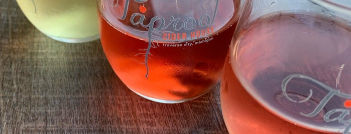 Taproot Cider House is one of Lieux qui ont plu à Kristen.