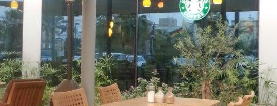 Starbucks is one of Gespeicherte Orte von Angel.