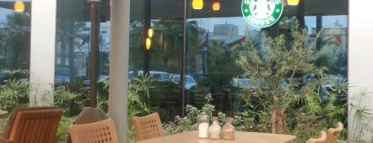 Starbucks is one of Posti salvati di Angel.