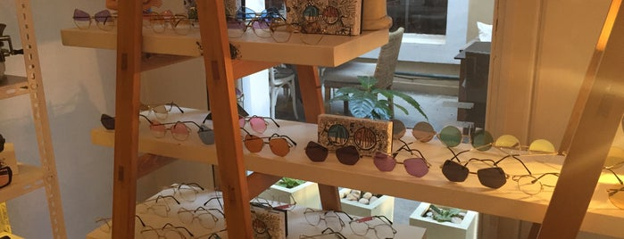 Fashion At Eye Vintage & Urban Eyewear is one of Lieux sauvegardés par Merva.
