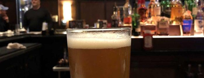 Bar Louie is one of Tempat yang Disukai Lindsaye.