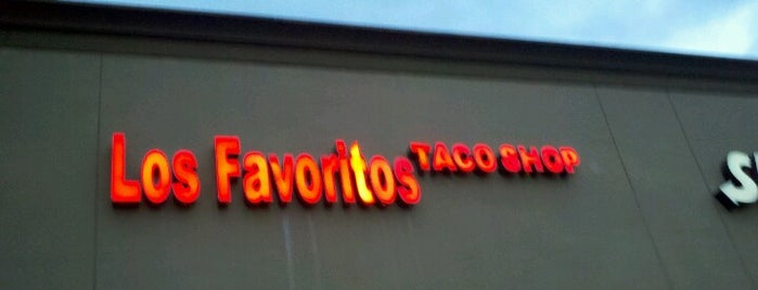 Los Favoritos Taco Shop is one of PHX.