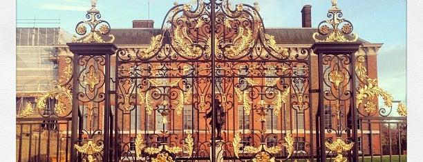 พระราชวังเค็นซิงตัน is one of London tour.