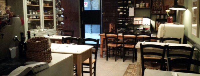 Le Cucine Mandarosso is one of Barcelona's romantic restaurants by TimeOut BCN.