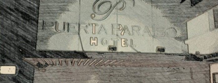 Hotel Puerta Paraíso is one of Locais curtidos por Edwulf.