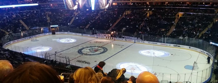 Madison Square Garden is one of Fiona 님이 좋아한 장소.