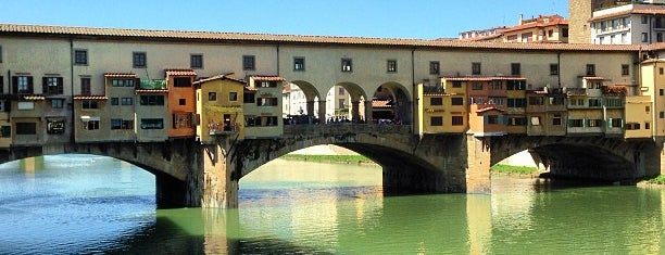 Fiume Arno is one of Tempat yang Disukai Richard.