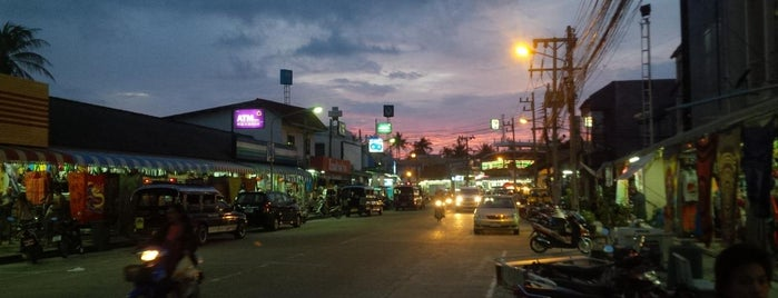 Thongsala Town, Koh Phangan, Thailand is one of Denis'in Beğendiği Mekanlar.