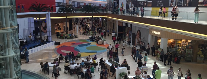 The Mall of San Juan is one of Posti che sono piaciuti a Ashley.