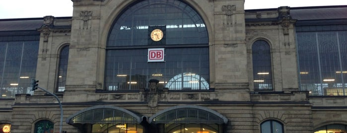 Bahnhof Hamburg Dammtor is one of Oliverさんのお気に入りスポット.