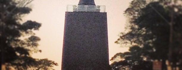 Monumento Cristo Rei is one of Posti che sono piaciuti a Mara.