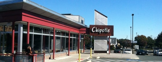Chipotle Mexican Grill is one of Locais curtidos por Ted.